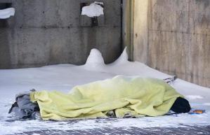 snow-homeless_1211770i